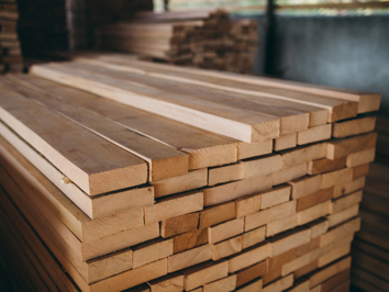 Techimport-M sells kiln dried edged boards of oak wood, beech wood, ash wood, basswood, alder wood, maple wood, pinewood, larch wood in Russia and neighbouring countries.